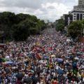 Друг Путина Мадуро готов пуститься в бега как Янукович — вся Венесуэла восстала против диктатора — кадры