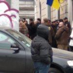 Здание Одесского медуниверситета снова атакуют: титушками руководит Владлена Дубинина