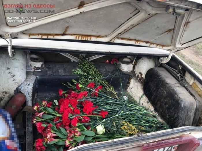 В Одессе задержали нарушителей вечного покоя, устроивших дебош на кладбище