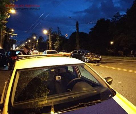 В Одессе «догнали друг друга» BMW и Porshe
