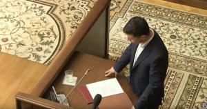 Зеленский неожиданно покинул Конституционный суд, сделав громкое заявление