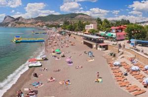 Туристы в панике массово бегут из аннексированного Крыма: стало известно об экологической катастрофе в Керчи – видео