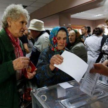Двум жителям Луганской области дали испытательный срок за «референдум»