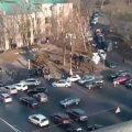 В Киеве у стадиона «Динамо» прогремел взрыв: около 20 парней схлестнулись с полицией — видео