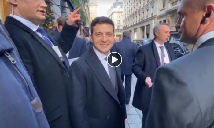 На видео попал знаковый момент с Зеленским перед встречей с Путиным в Париже: «Поехали!»