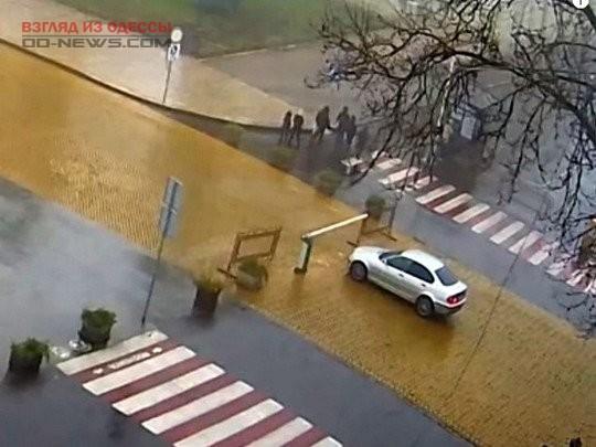 Автомобиль в Одессе «сбежал» от хозяина